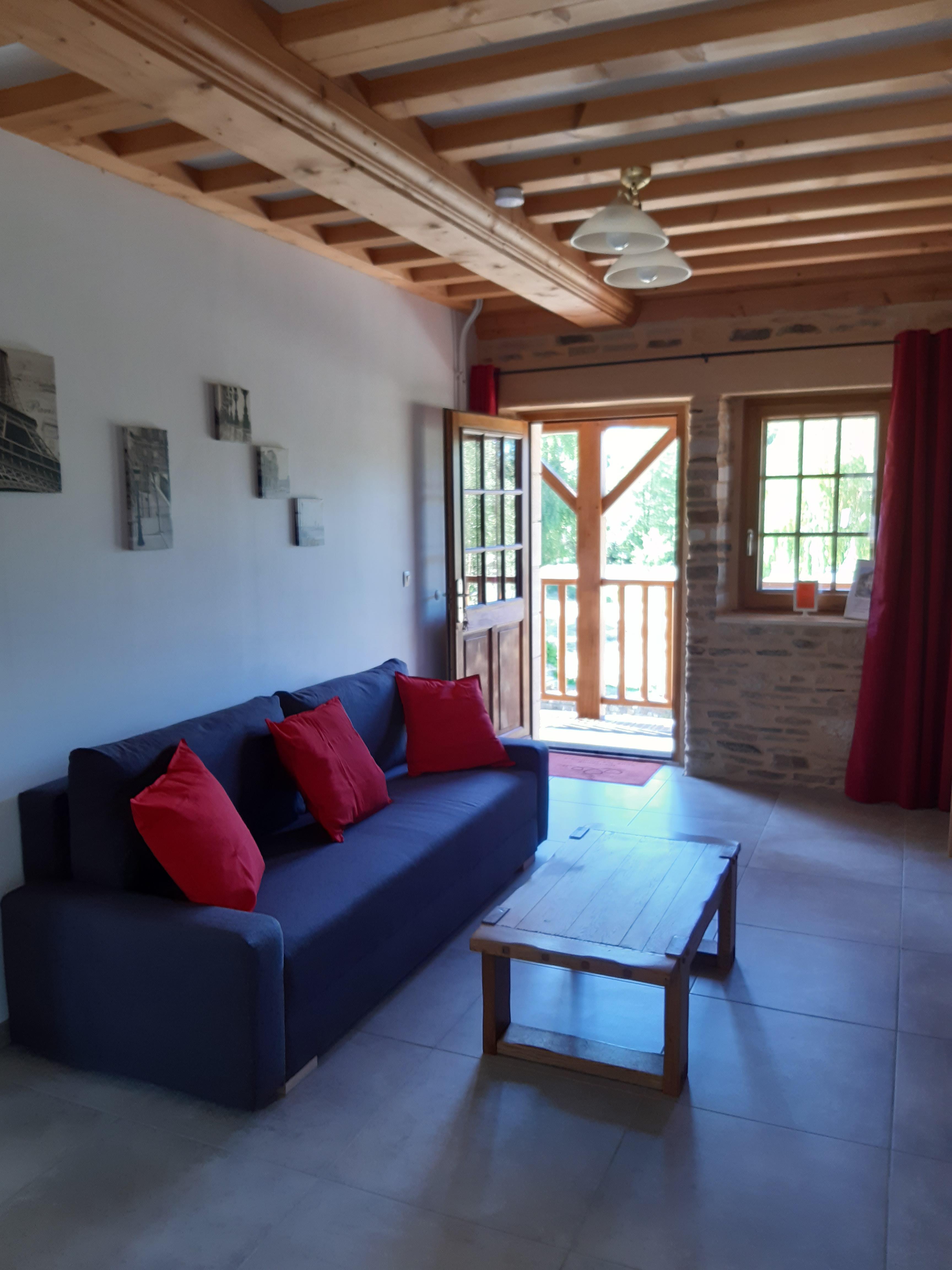 Chambre Sous les Pommiers - Le Moulin du Locheur - espace salon