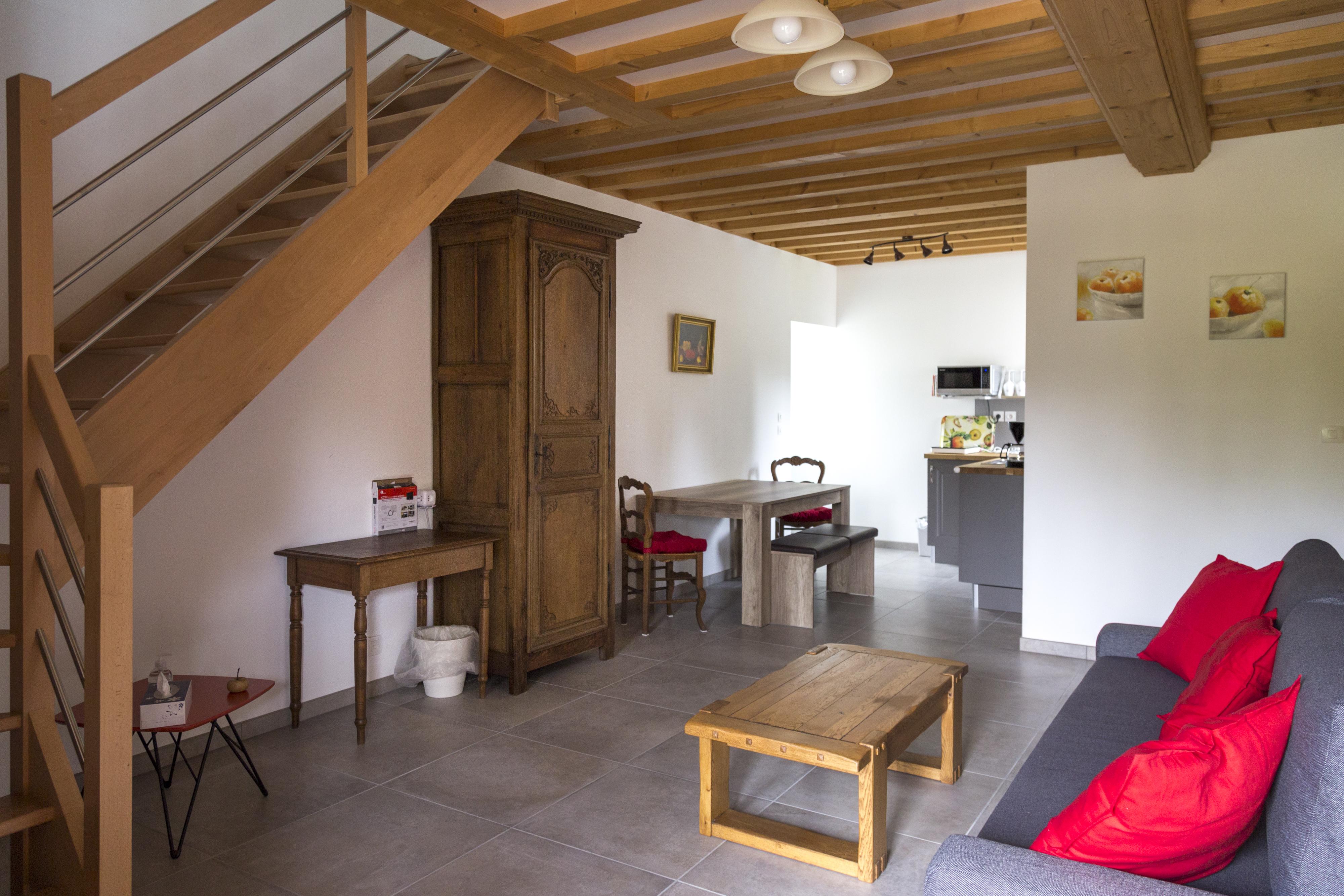 Chambre Sous les Pommiers - Le Moulin du Locheur - salon crédit OTPV Lucie Mach