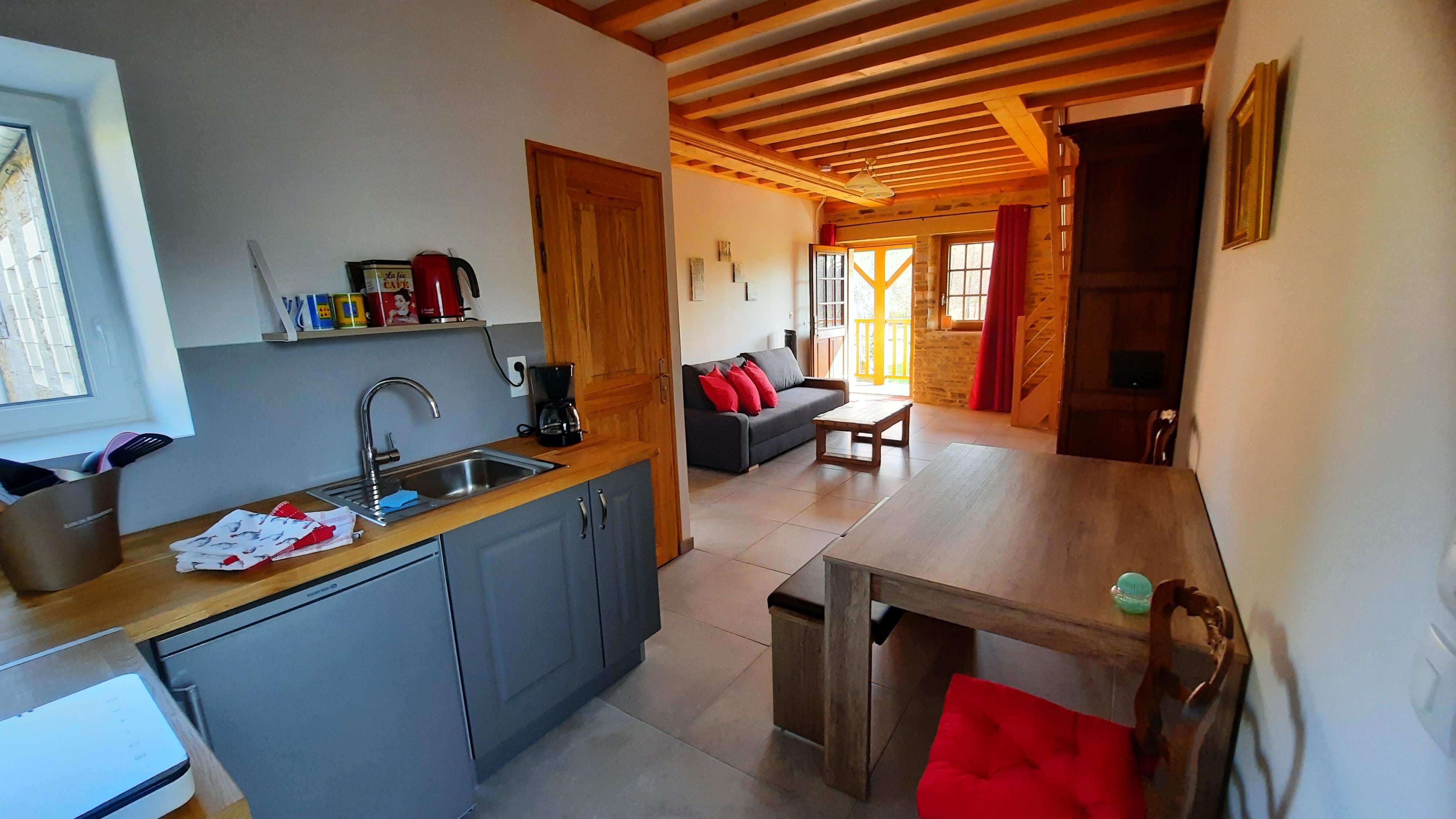 Chambre Sous les Pommiers - Le Moulin du Locheur - cuisine